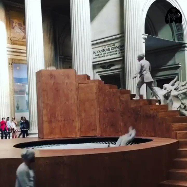Ce chorégraphe met les monuments en mouvement au Panthéon https://t.co/7ZmptYAoKR https://t.co/yN9nAdBubQ