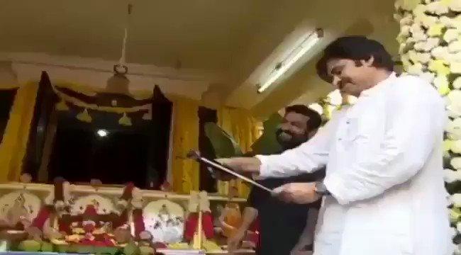 RT @TWTPKOfficial: Kalyan Babu & NTR Fun Moments 😍😍 #PSPKLaunchesNTR28  #NTR28Launch https://t.co/VXIA848QN1