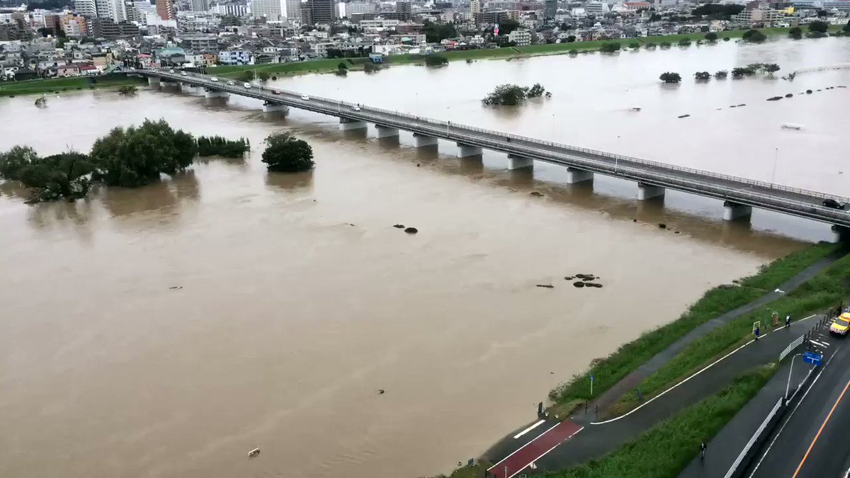 多摩川から水が引いていく様子を iPhone のタイムラプス撮影で。