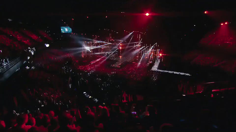 The @mtvema's are going to be INSANE this year and I'll be hosting all the madness ???? Are you READY?! https://t.co/ElHHxzXypt