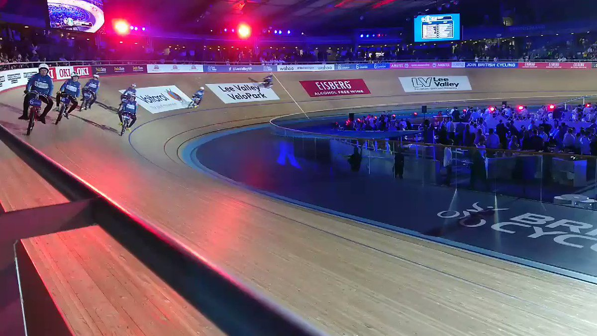 The smell of petrol ⛽ fills the air. It's Derny racing! #SixDayLondon https://t.co/JM81QEunsm