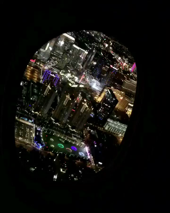 Vegas always looks so pretty from above! Happy to be back! See you guys tonight!!!! https://t.co/QwMGi7TLxE