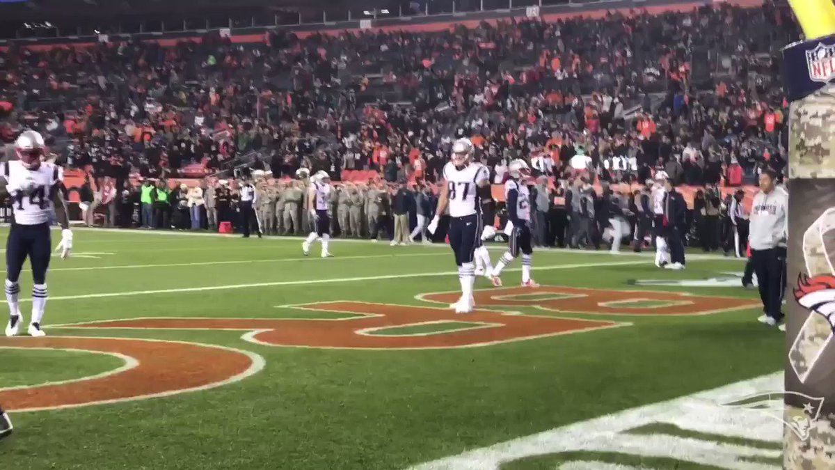 D-Lew & the GRONK. #GoPats https://t.co/ORmxAdIm6n