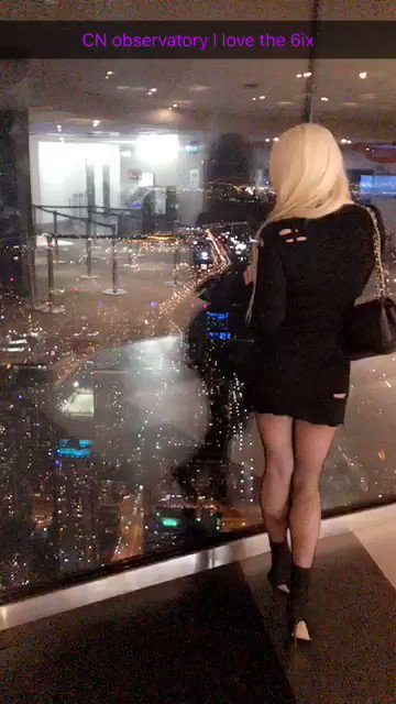 CN tower in Toronto tonight so much fun and lovely views!💃👸🏼🔥😈🎉 On6N3zTFvB
