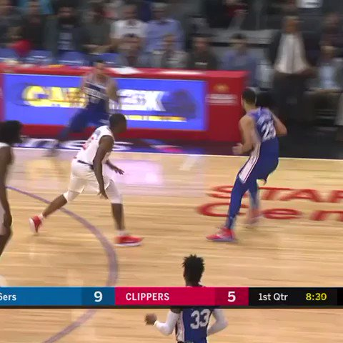 Simmons and Redick work the two man game! #HereTheyCome https://t.co/dSLfhP5PI0