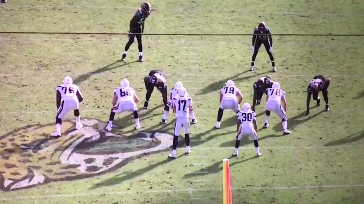 More Dareus vs Chargers...stop the fight. https://t.co/YjPOwY1pcr