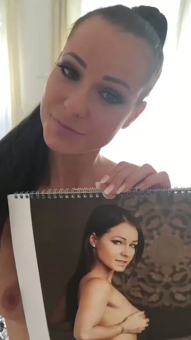 You can order my signed calendar here: https://t.co/3s5e3bbgwP https://t.co/qA6uY3cJzY