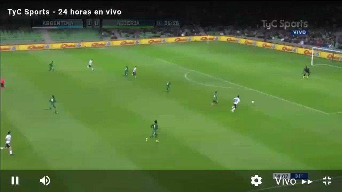 #VamosArgentina @aguerosergiokun aparece en el medio del área para empujar la pelota y poner el 2-0. https://t.co/Ca6O3co2MR