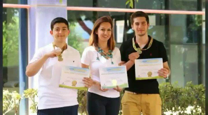 Tübitak'ın beğenmediği proje dünya 1. oldu.Can Dursun ve Efe Boztepe adında ki 2 öğrenci, şeker hastalarının iyileşmeyen yaraları için özel bir band geliştirdi.ABD'de 2450 proje içinde 1. seçildi.Ayrıca 2 öğrenci 10 bin$ bursla ABD'ye davet edildiler. https://t.co/hvgfN1FJBB