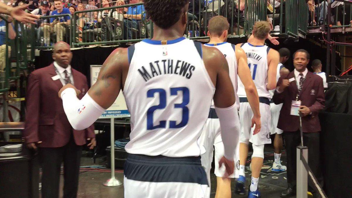 Mavs lead @Timberwolves 55-43. @hbarnes 15 points 4 rebounds. #DALvsMIN https://t.co/7guORIEz7W