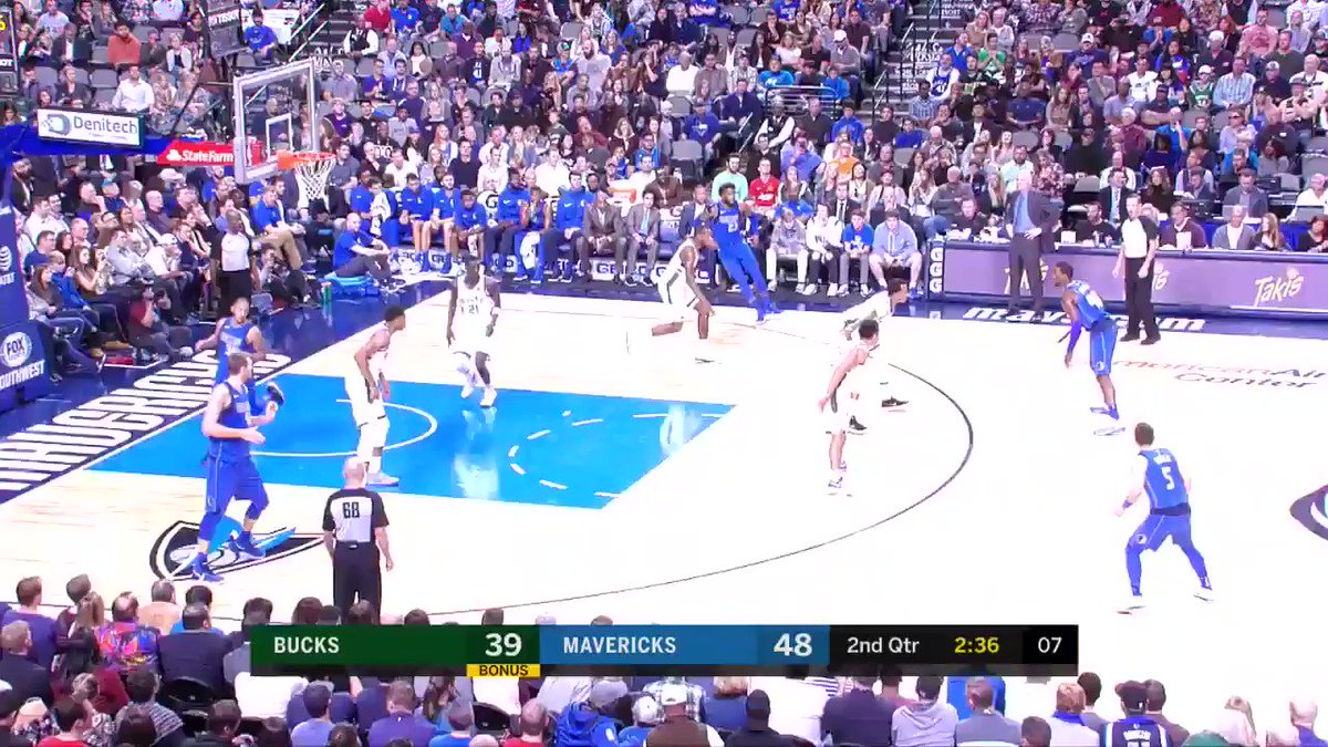 Barea goes b��ck-to-b��ck! #MFFL https://t.co/bi3srpaUIu