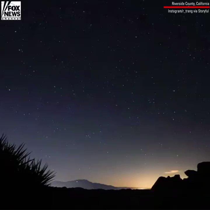 Timelapse Footage Captures Leonid Meteor Shower From Joshua Tree National Park https://t.co/i98aHVUuYg