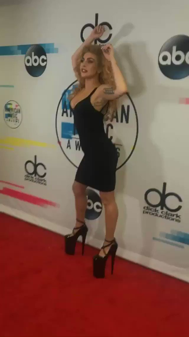 When the #AMAs brings the red carpet to you! #AMAsRedCarpet #AMAsxGAGA wearing the one and only #Alaïa https://t.co/qFroGBt4Fx