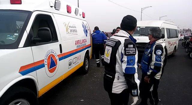 Choque de combis deja 19 lesionados cerca de la TAPO https://t.co/fHzqFWpoXn #CdMx https://t.co/ZYVsKx2b9g