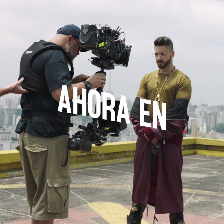 It's here ❤️ Watch @maluma's #Corazon music video right now on #VivaLatino https://t.co/VCfBTyW1Ta https://t.co/kXuI99epii