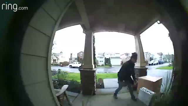 Washington Co. Sheriff seeks help identifying package thief