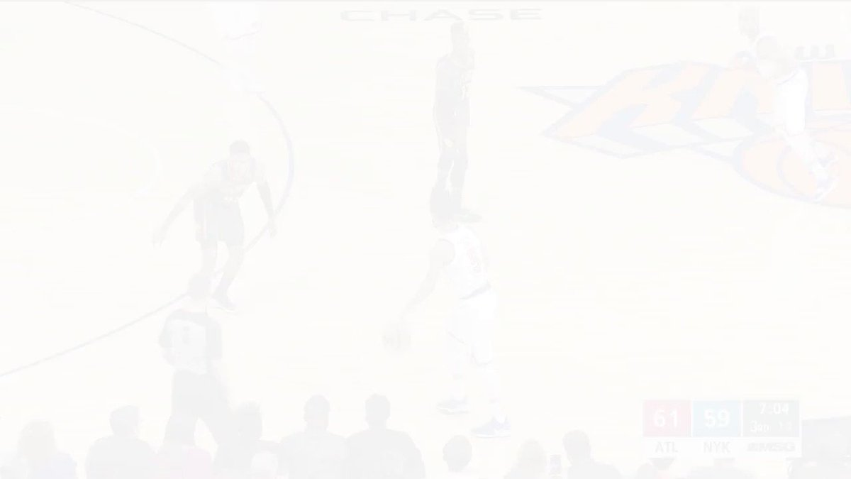 KP gets the MSG crowd on their feet with the powerful jam!  #Knicks https://t.co/QSJcIdBqqp