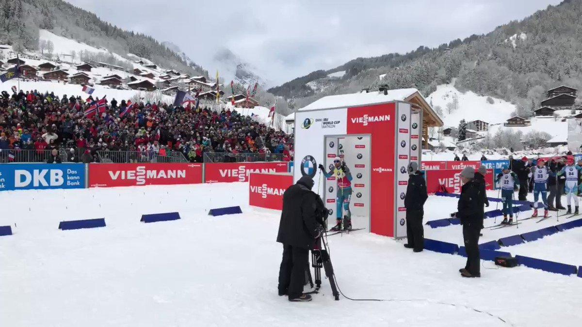 Quand @martinfkde skie devant son public, ça donne ça ! �� #lequipeBIATHLON https://t.co/ldqKe0ARqk