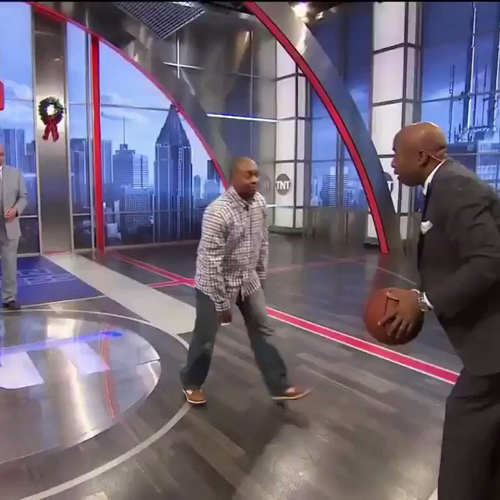Find someone that sticks up for you like Chuck sticks up for Kenny �� https://t.co/tm77PbhxbZ