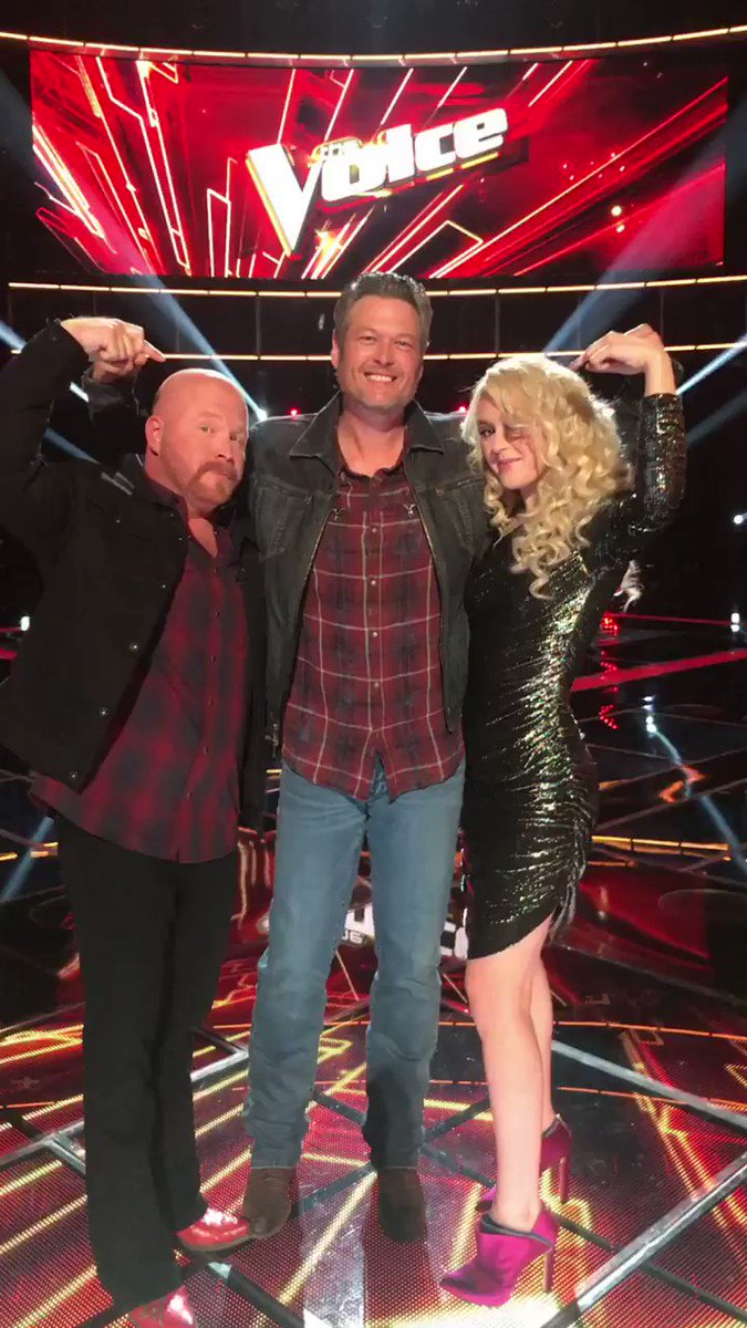 Y'all ready to get that W?? @ChloeKohanski @redmarlow #TeamBlake @NBCTheVoice https://t.co/7l2H0MsWRX