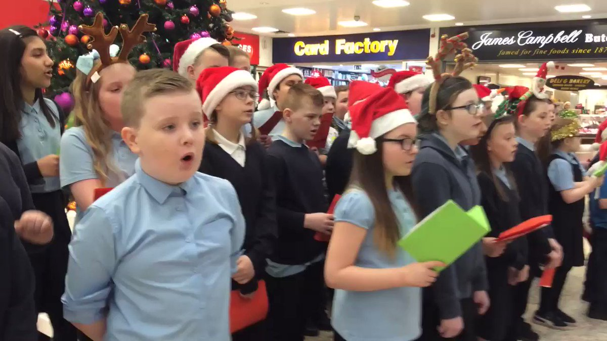 More Christmas Singing today ���������� https://t.co/T2uqG5ZFab
