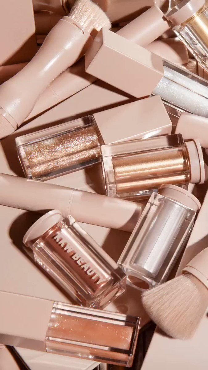 Ultralight Beams and Crème Kits back in stock at https://t.co/32qaKbs5YG now! https://t.co/yt126W5YH4
