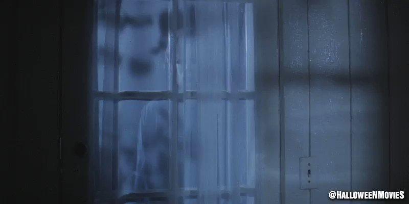 'Paul is this one of your cheap tricks?' ... #FlashbackFriday John Carpenter's #Halloween 🎃 #MichaelMyers 🔪 https://t.co/QPr6UdCMlK