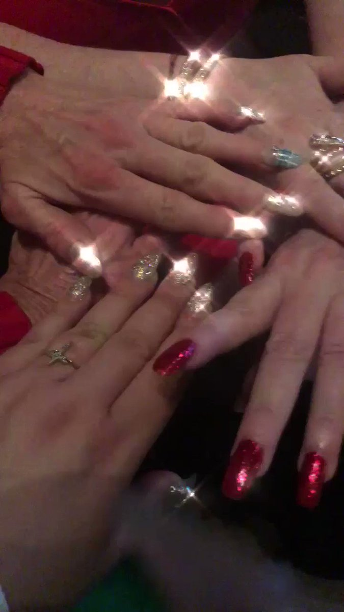 Guess whose hands are these? LOL #MerryChristmas2017 #BigTits noaWroDqE4