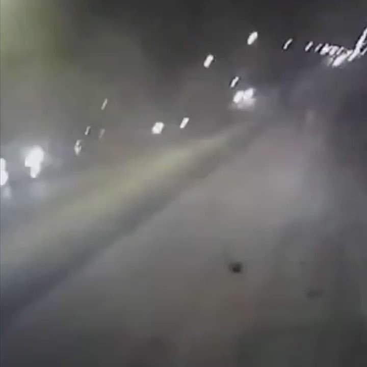 Now this is brave.   Bodycam shows US police pull teenagers from burning car https://t.co/VI77Ky6zyr