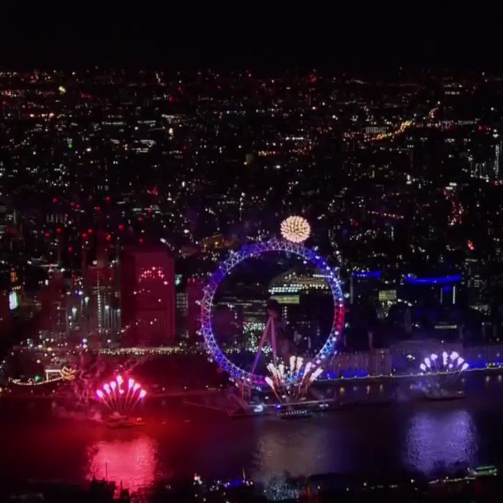 Happy New Year!  From Sydney to New York, Pyongyang to London - this is how the world welcomed #2018 https://t.co/BXgtpQvz5S
