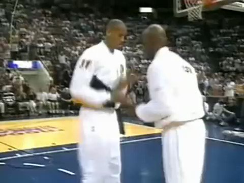 RT @SLAMonline: Y'all thought today's handshakes were crazy? 😂😂😂 #FBF https://t.co/cBcbB4GzhJ