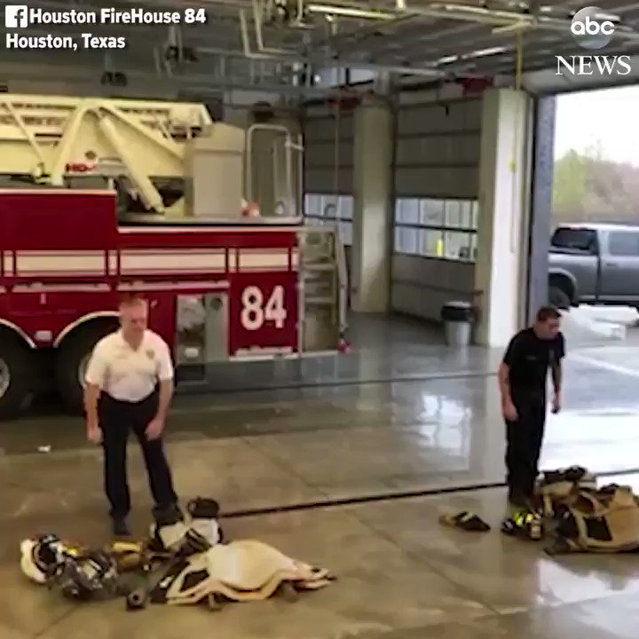 Fire chief and rookie firefighter race to see who can put on their fire gear the fastest. https://t.co/zIdMzpDkAX