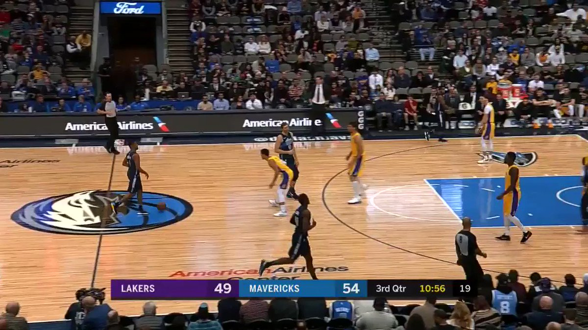 RT @dallasmavs: All the way around the horn... twice! #DALvsLAL https://t.co/i7NbXpQkG1