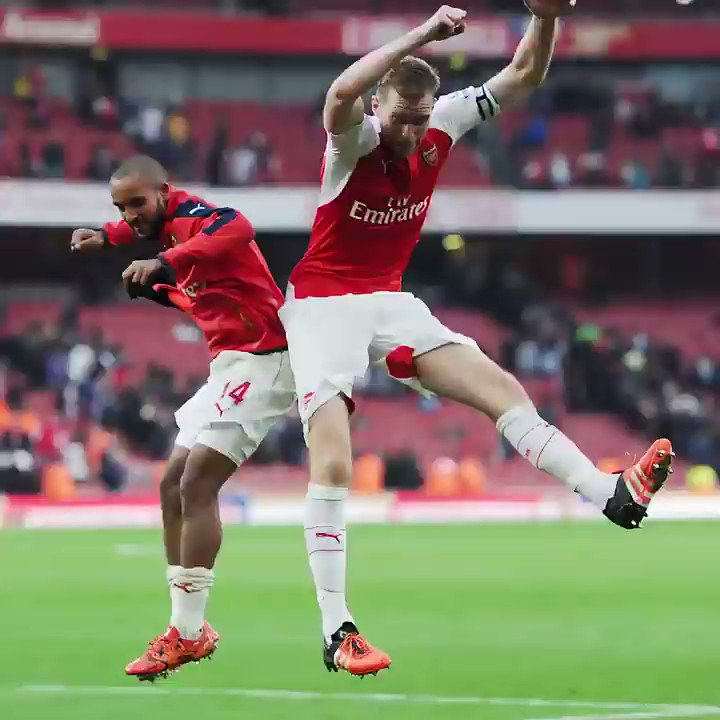 Farewell bumps with @theowalcott, I wish you all the best for the future! https://t.co/3NYY3jdVoS