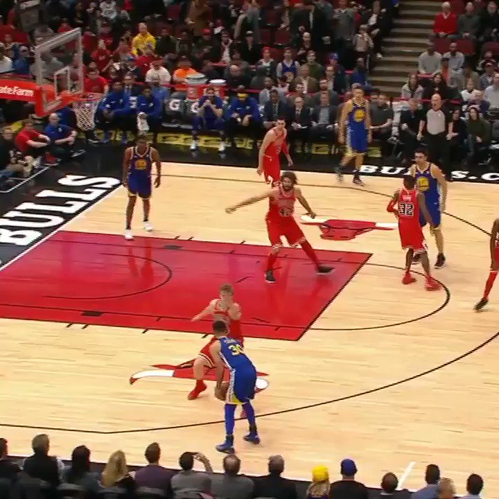 Lauri Markkanen blocked it right off Steph's face. https://t.co/QVnIXIaG7X