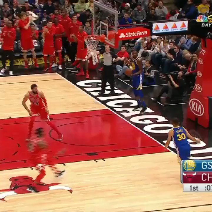 A visibly frustrated Steph Curry tossed the ball off David Nwaba's back at the end of the 1st quarter. https://t.co/x7uJ9aWbEl