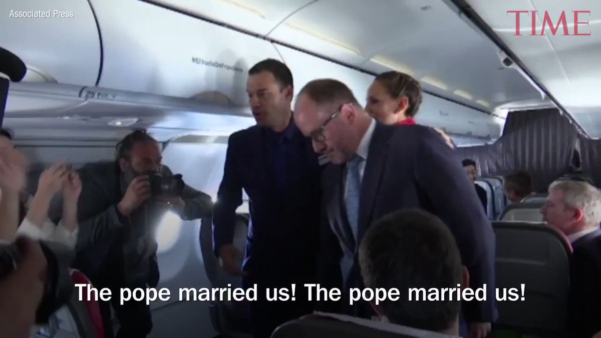 Pope Francis performs first airborne papal wedding during flight in Chile https://t.co/vlDbF6OfGH https://t.co/Gvll5FqmaS