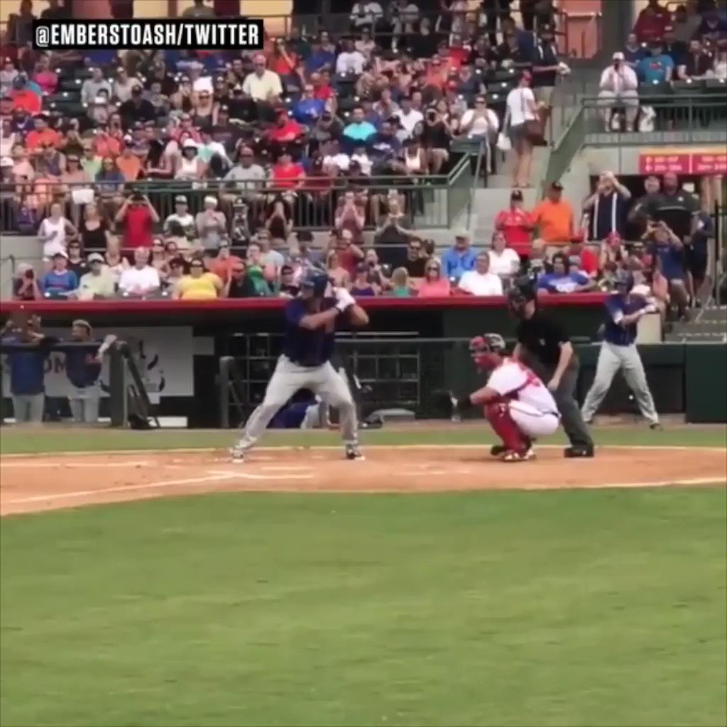Tim Tebow heading to Mets spring training has fans hoping for more of this. https://t.co/NSCJv3vkvy