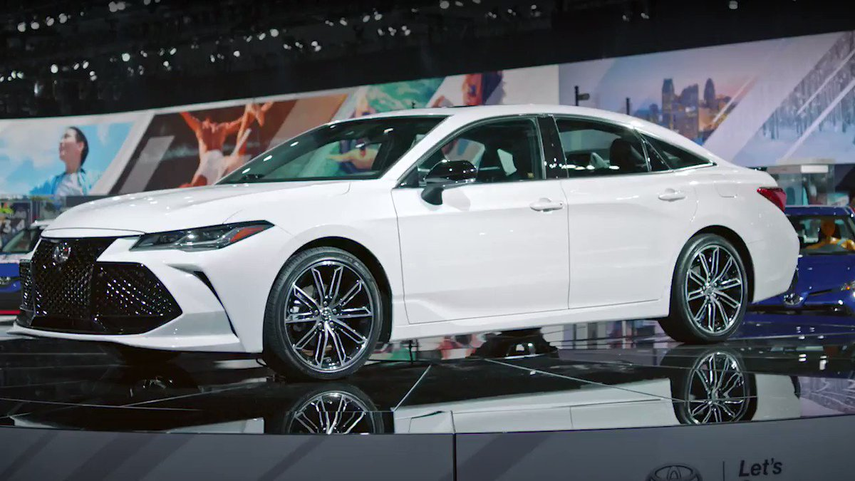 From Sport+ mode, to its Active Noise Control that sends noise-cancelling sound waves into the cabin, the all-new 2019 #Avalon captivates inside and out. #NAIAS https://t.co/Ke07WNrMfP