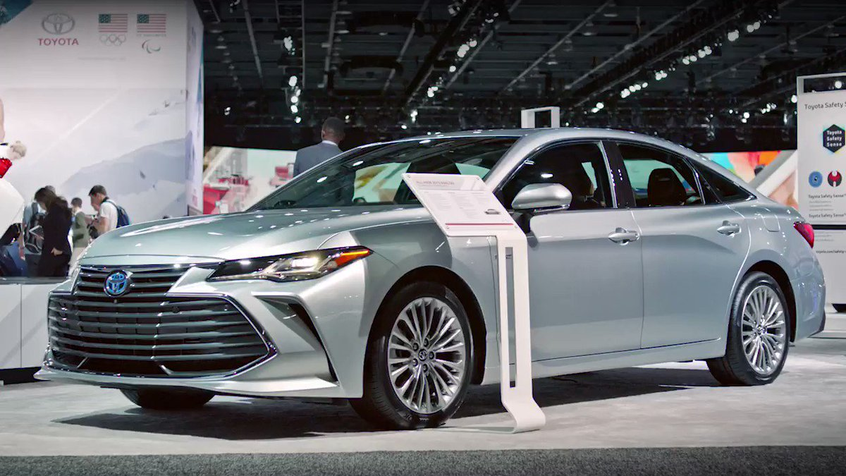 With a compact battery and lightweight power control unit, the all new 2019 #Avalon Limited Hybrid is built for high performance, and high MPG! #NAIAS https://t.co/ZpFZXHAna2