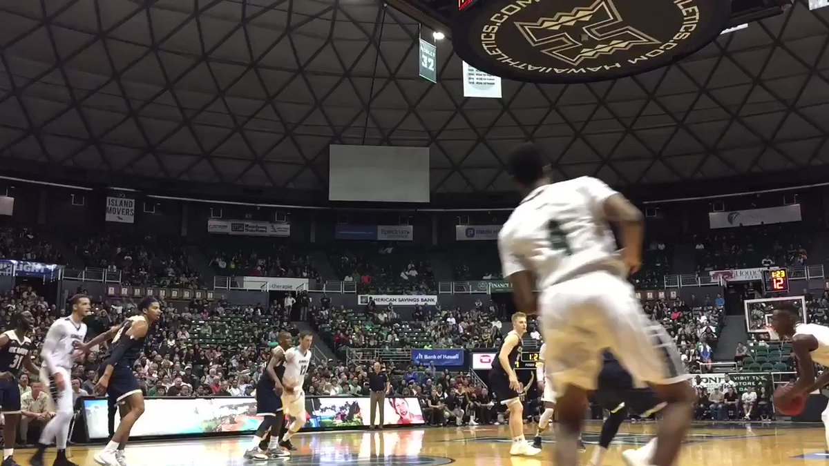 RT @HawaiiMBB: Leland Green coming in clutch 🔥🔥🔥#GoBows https://t.co/Iw75fYOIgt