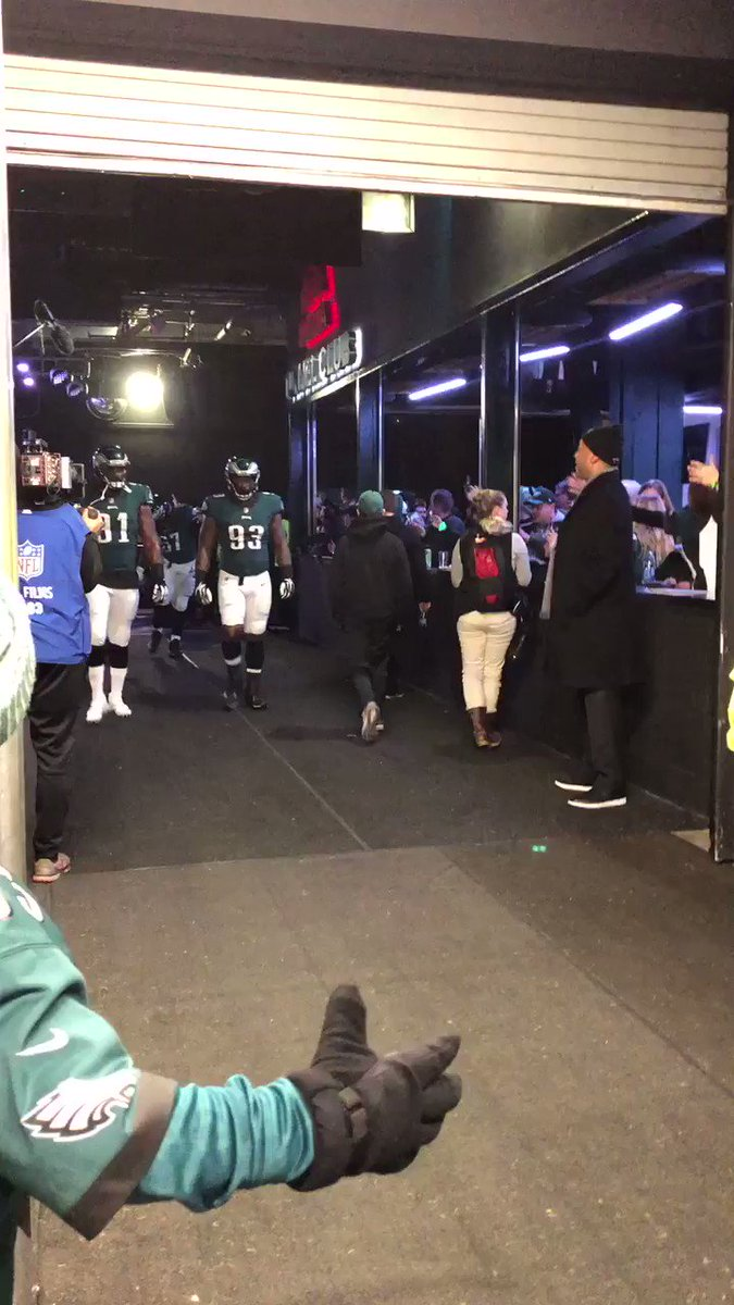 Here they come.   #FlyEaglesFly https://t.co/ahcjwwFw2d