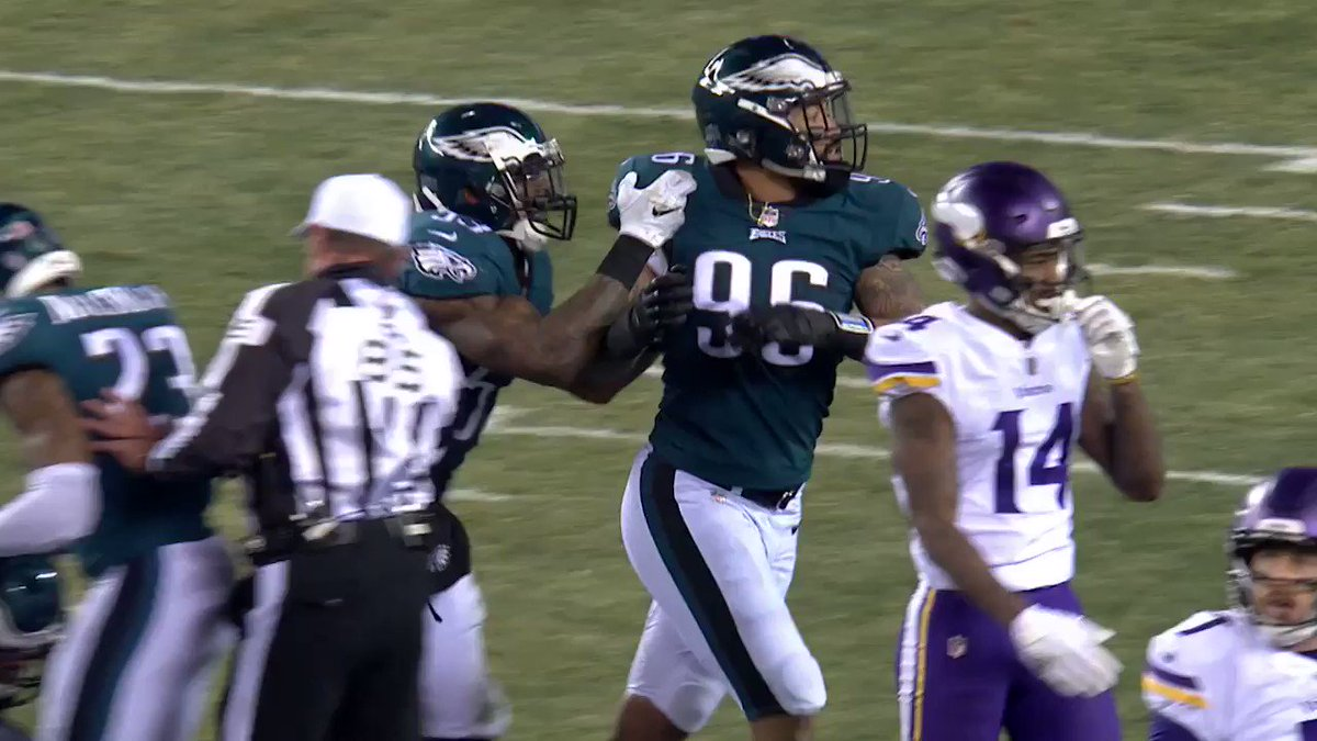 �� #Eagles D forced two turnovers in that first half. �� https://t.co/QfMXcN9ItZ
