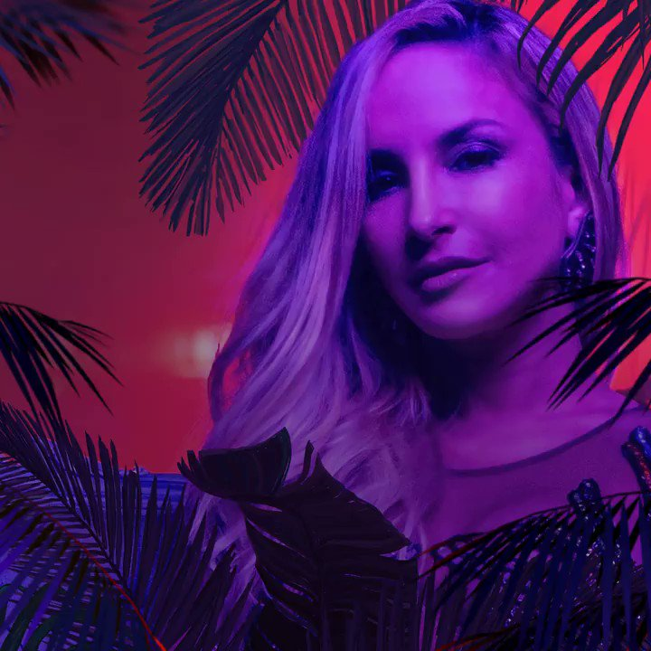 Today's the day! #Carnaval by @ClaudiaLeitte with yours truly is here! https://t.co/of5bE7hR5Z https://t.co/KIzwnkyzzr