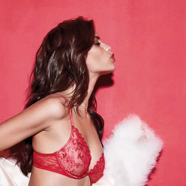 Valentines? Overrated. Pull the Me-Day card and buy you own red lacy things: https://t.co/v9UqFUnEcn ???? #VDayMeDay https://t.co/6NymiVgA39