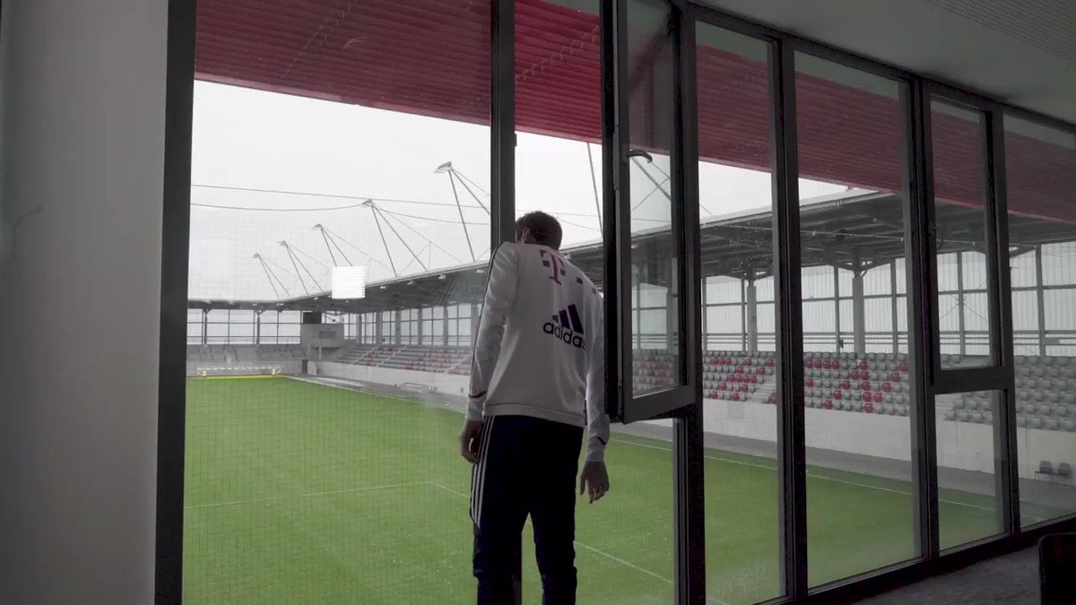 Visiting the @FCBayern Campus with Thomas Müller. You could find the whole video on: https://t.co/eURox2dckd 😀⚽️👍 #esmuellert #FCBayern #Campus https://t.co/RFPyX34zcu