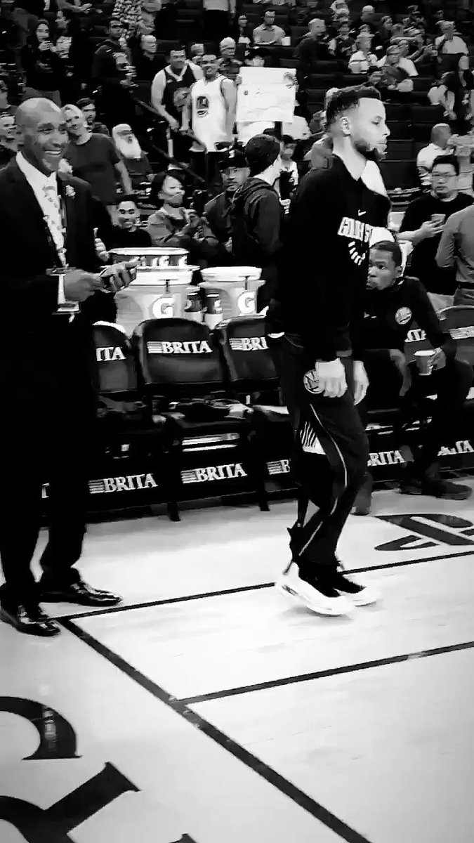 Game day vibes ��#DubNation https://t.co/rDloOwjwCH