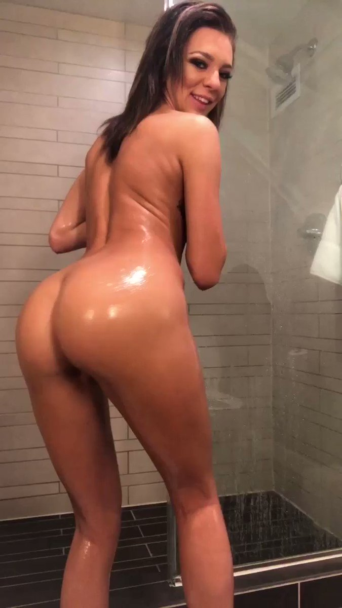 💦🍑🚿 kkNsQclRBY
