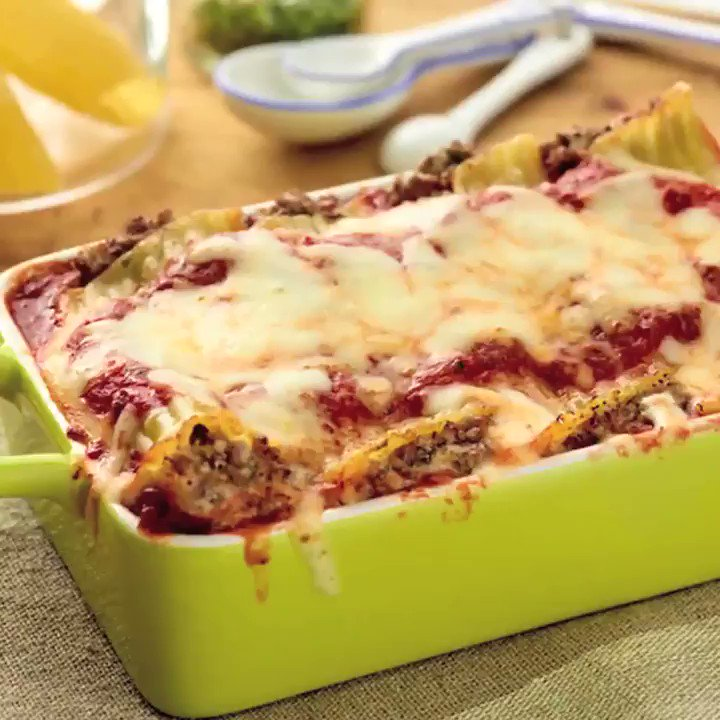 Recipe of the Day: @GDeLaurentiis' Beef and Cheese Manicotti https://t.co/8Y0P6dRdAC. https://t.co/vsYC1NvtMt