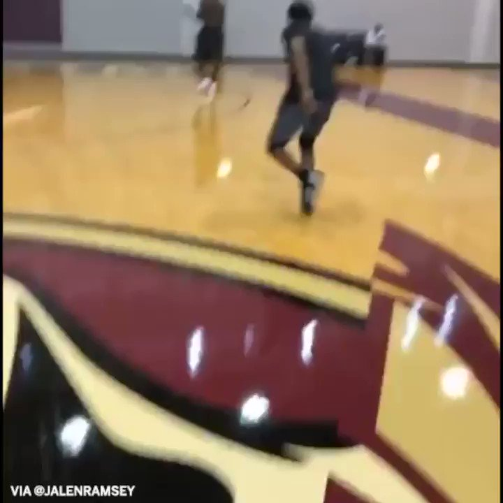Sign him up for the dunk contest. (via @jalenramsey) https://t.co/xtoq1VgPJ2